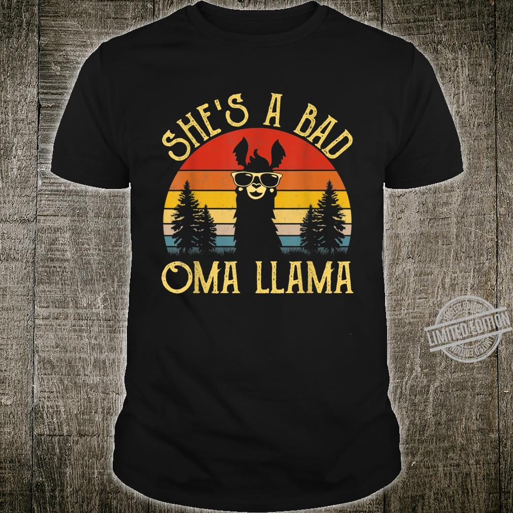 Funny Shirt She's A Bad Oma Llama Mama Shirt